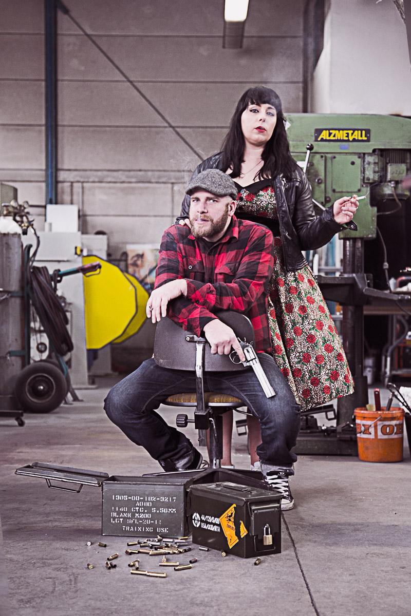 paarshooting in einer werkstatt
