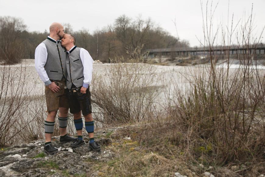 homohochzeit paarshooting an der isar