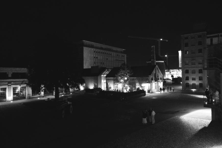 loction bei nacht